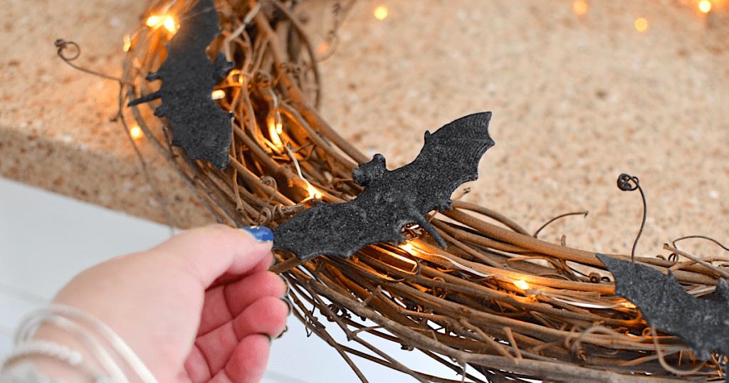 making bat Halloween wreath