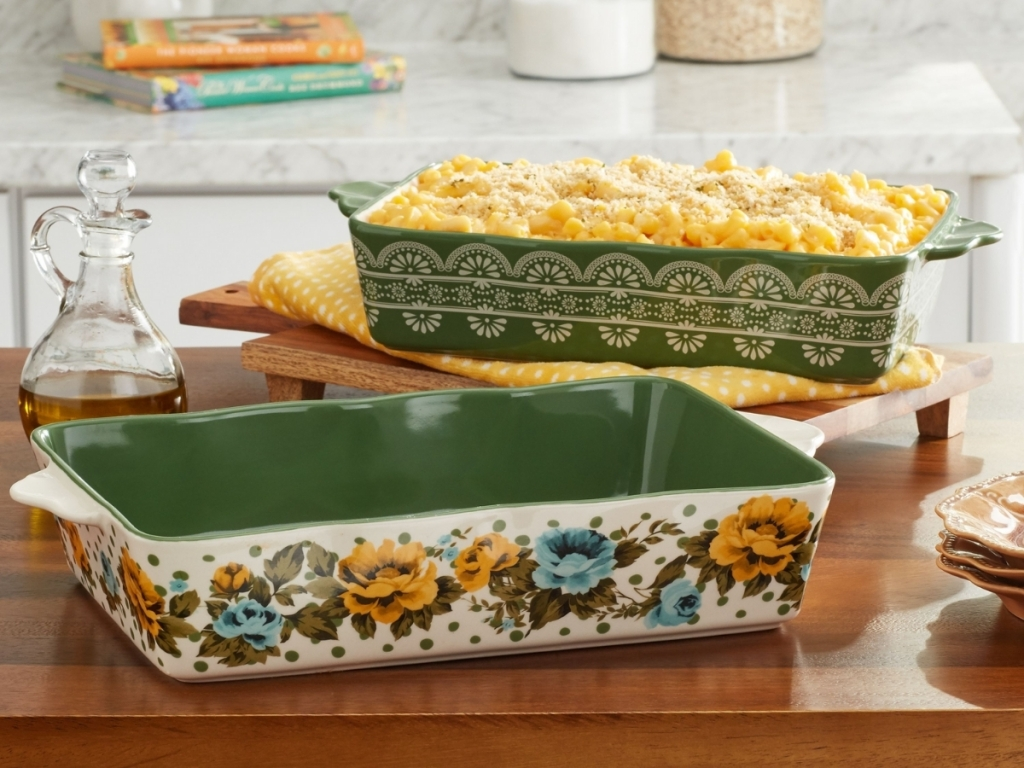 green 2 piece baking set from the pioneer woman