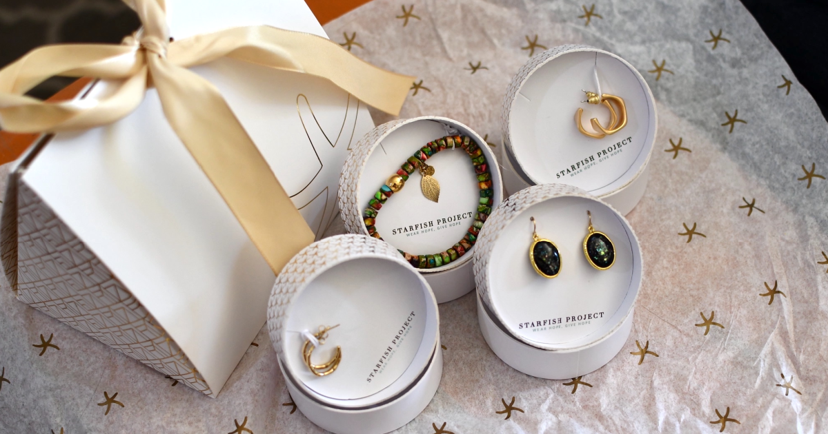 Complete 50% Off Exclusive Starfish Task Jewelry Acquisition Sets (and 90% Off Hoop Earrings!)